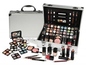 kosmetyczki kuferki